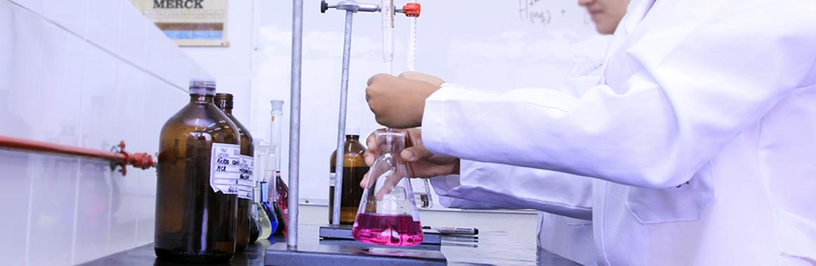 Foto ilustrativa do curso de Licenciatura em Química