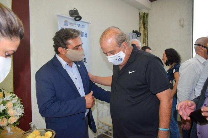 Reitor Janir Alves Soares e ministro Augusto Nardes, do Tribunal de Contas da União (TCU), durante o lançamento do Programa Águas Brasileiras, realizado em Diamantina