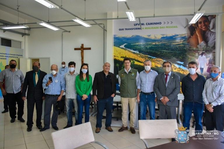 Ministro do Meio Ambiente e parlamentares visitam UFVJM - Foto 3.jpg