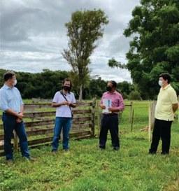 Visita de representantes da UFVJM e da Prefeitura de Curvelo à Fazenda Experimental do Moura03